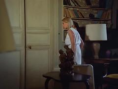 Pensionnat de jeunes filles - 1980 (restored)
