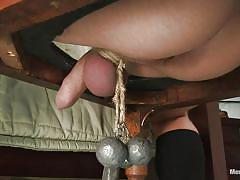 Mistress diamond shows how has the balls in the bed
