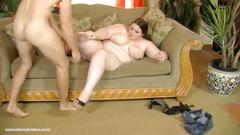 Teen bbw holly jayde takes huge cock in her ass