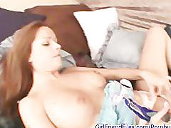 Amateur holly fucks dildo