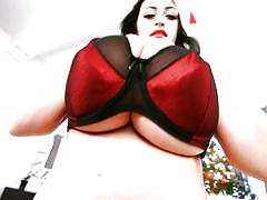 Busty brunette babe in xmas costume