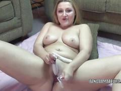 Horny housewife savanna knight is fucking her hot ass