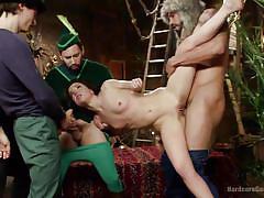 Juliette faces a horny gang
