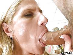 Milf demonstrates a deepthroath