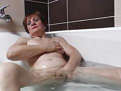 granny, solo, masturbation, short hair, fingering, brunette, european, natural tits, bathtub, boobs grope, raisha k., mature eu, mature money