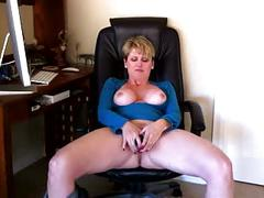 Horny milf racquel devonshire getting off.