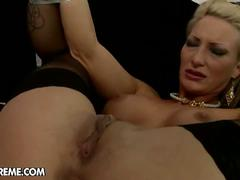 Pearl and kathy extreme dildoing