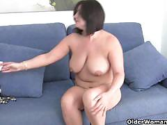 Busty moms gets naughty for getting fingered.