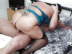 Bbw mature gets fucked from behind