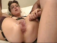 Mature housewife fists and stretch her cunt with giant dildo