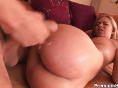 Melanie jayne the slut in the neighborhood