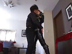 Bondage device keeps her stady