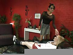 Brunette shemale fucking a tied blonde teen