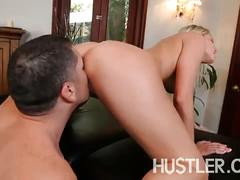 Vanessa cage knows how to get the biggest tip