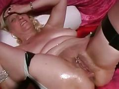 Mature mom squirting sex