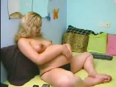 Blonde preggo girl in webcam
