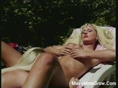 Hot lesbians play their pussies outdoor