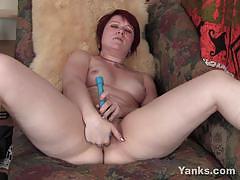 Sexy redhead milf simone masturbating her wet cunt