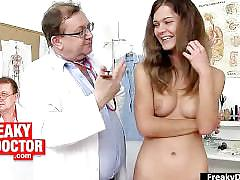 Chubby latina manuella arrived from cuba for euro gyno doctor