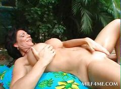Brunette milf gets soft cunt licked and fingered