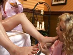 Visit th lesbian massage parlor