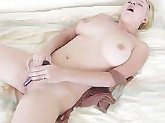 Blow job bitches - scene 4