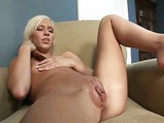 Kacey jordan pumps her pussy even fatter