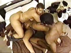 Hot vintage 3some scene