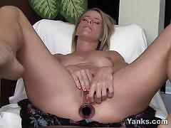 Skyla starts toying both her pussy and her ass