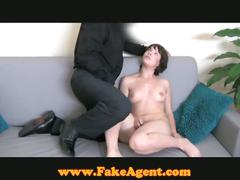 Fake agent bangs hot chick