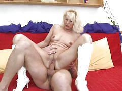 Lea is a horny mature slut that ride a long cock