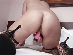 Salome loves to masturbate hard everyday
