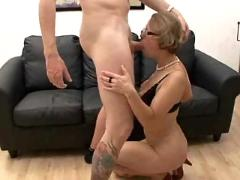 Mature get anal and fisted