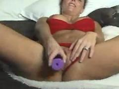 Hot blonde milf plays on cam