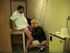 Tranny with great ass gives and gets head.