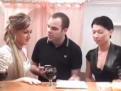 Justine-djuliana-trio teaser