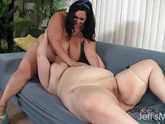 Big girls who love to lick pussy