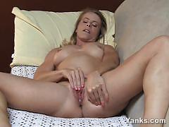 Small titted skyle fingering her hory pussy nicely
