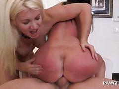 Blonde and brunette sharing cock in 3some