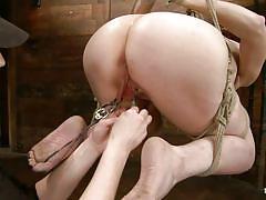 Exploiting a big booty redhead