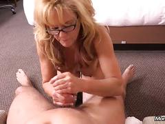 Cougar takes a massive facial