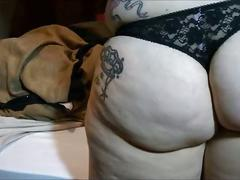 Big booty pawg farting and burping