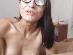 Hot bowjob and gets cum on her mouth