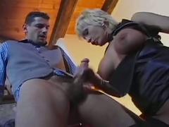 La barista vuole il cazzo nel culo troia anal