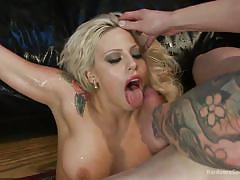 Tattooed vyxen gets gang banged