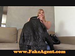 Fakeagent smoking hot babe takes facial in casting