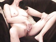 Classic beauty mature masturbating