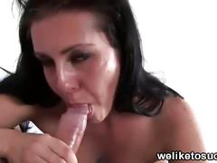 Brunette babe angel sucks for a nice facial