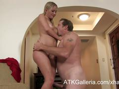 Mandy armani gets a creampie from a pizza delivery guy