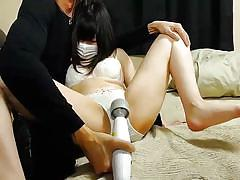 Asian babe moaning in pleasure during webcam show